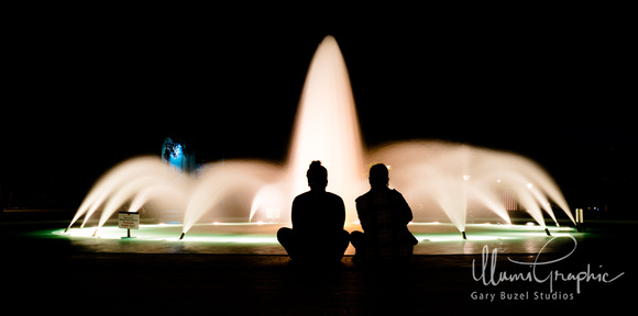Night Fountain Gaze